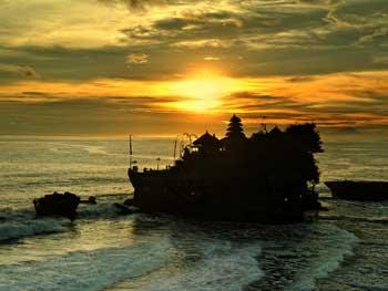 Bali-TanahLot-Sunset